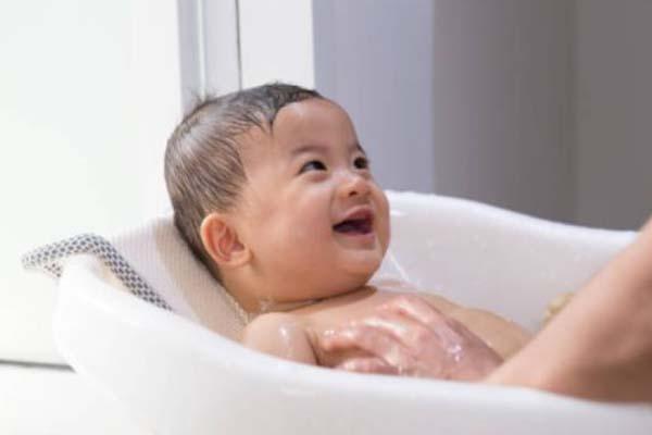 Sabun Mandi Bayi Tidak Cocok Digunakan Oleh Orang Dewasa